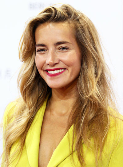 Kamilla Baar's Blonde, Wavy, Romantic, Layered Hairstyle