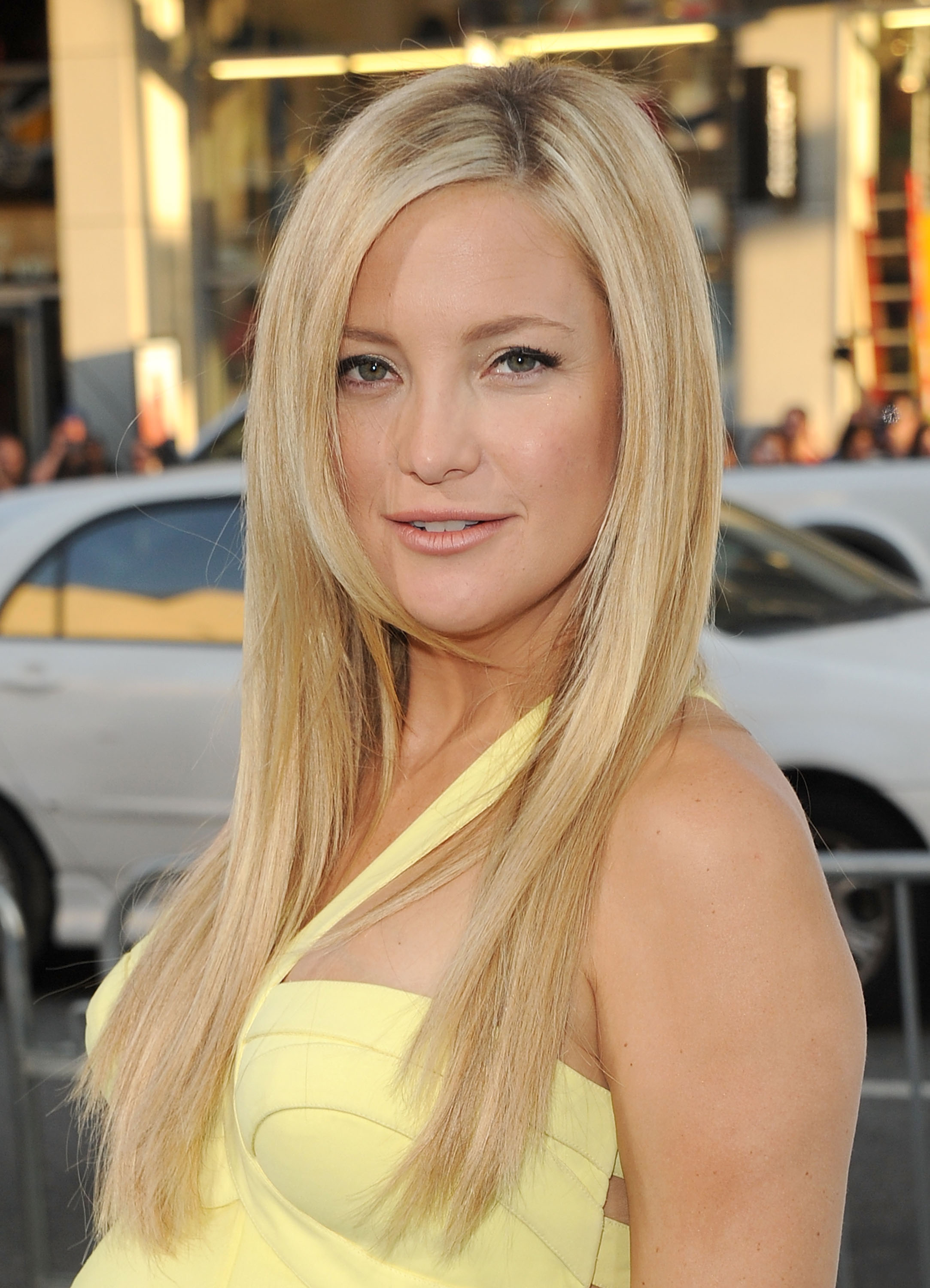 Kate Hudson Long, Straight, Sophisticated, Blonde Hairstyle