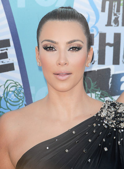 Kim Kardashian Chic, Black Updo