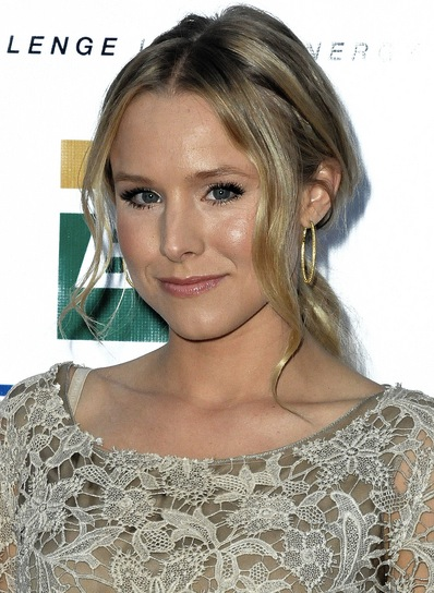 Kristen Bell Wavy, Sophisticated, Blonde Ponytail