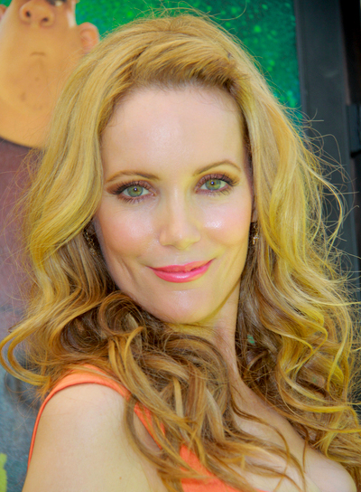 Leslie Mann's Long, Romantic, Curly, Blonde Hairstyle