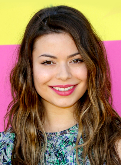 Miranda Cosgrove's Long, Wavy, Brunette, Tousled, Party Hairstyle