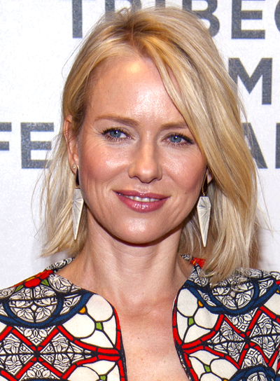 Naomi Watts' Blonde, Medium, Straight, Chic Hairstyle