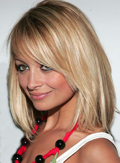 Nicole Richie Medium-Length, Straight, Blonde Bob