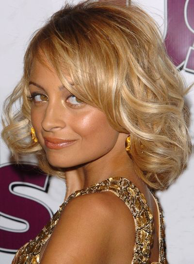 Nicole Richie Medium-Length, Wavy, Blonde Bob