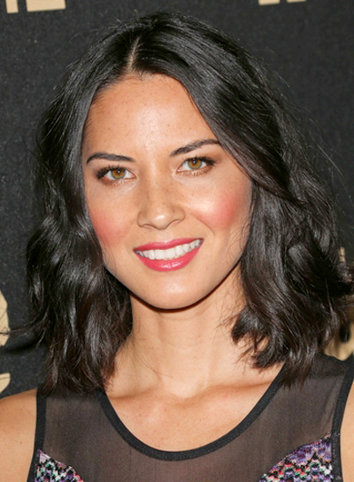 Olivia Munn's Medium, Tousled, Wavy, Black, Hairstyle