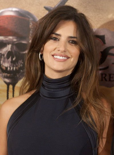 Penelope Cruz Long, Tousled, Brunette Hairstyle