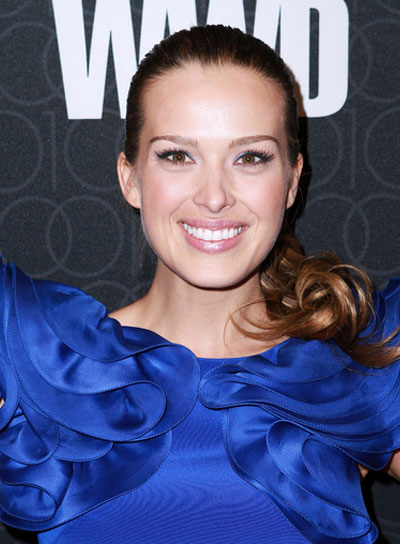 Petra Nemcova Chic, Curly Ponytail