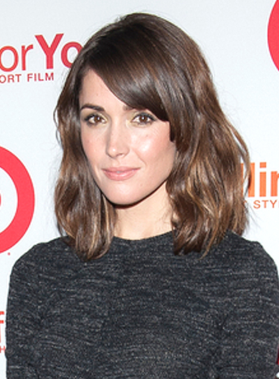 Rose Byrne's Wavy, Tousled, Medium, Brunette, Hairstyle