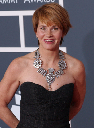 Shawn Colvin Short, Straight, Red Hairstyle with Bangs