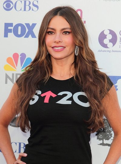 Sofia Vergara's Long, Wavy, Tousled, Brunette Hairstyle