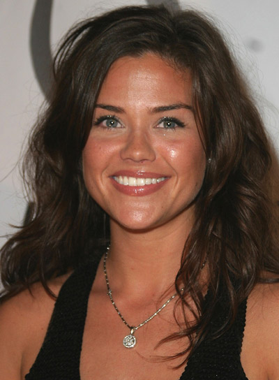 Susan Ward Long, Wavy, Brunette Hairstyle