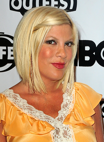 Tori Spelling Medium, Straight, Blonde Hairstyle